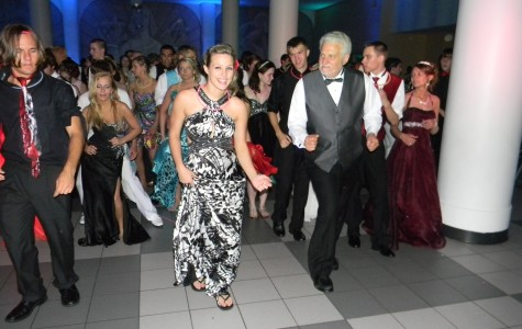 Prom Excitement Stirs up Students