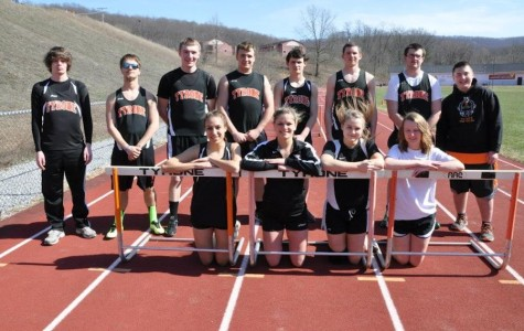 Robison leads Eagles on senior night, winning all three throwing events