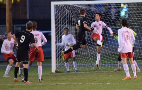 Boys soccer season wraps up after playoff loss