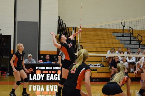 Lady Eagles Volleyball Drops Season Opener to Bellwood 3-2