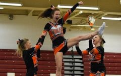Tyrone Cheerleaders Place Second at Altoona Competition