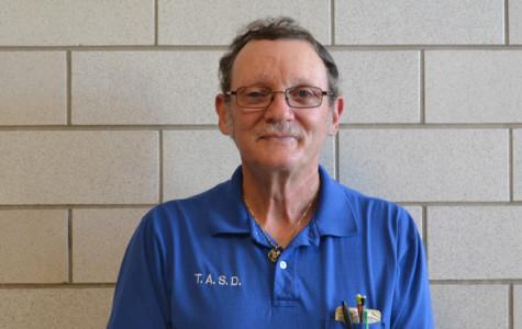 Head Custodian Mr. Estright to Retire