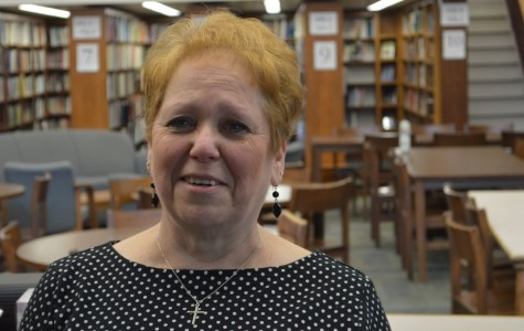 """HS library assistant Mary Riggle plans to """"wine"""" after retirement"""