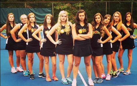 Girls tennis improves to 5-3 this week