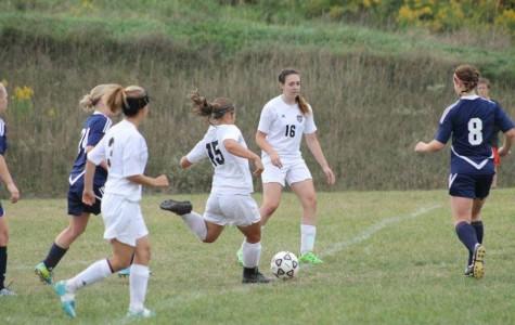 Girls soccer splits week; improves record to 6-4