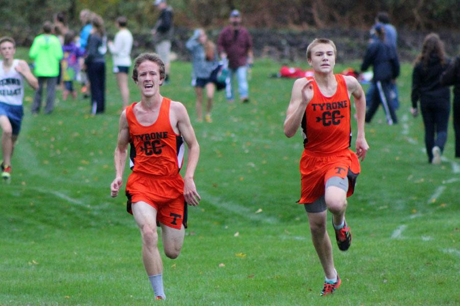 Junior+Adam+Zook+and+freshman+Joe+Kohler+in+the+home+stretch+at+the+cross+country+league+championships+on+Wednesday