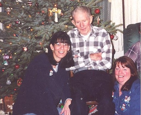 L-R: Hayden Walk on Christmas Day 2003 with his daughters (L-R) Connie Shaffer and Denise Crispell.