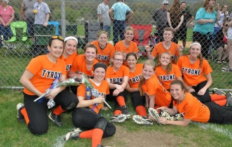 Aungst scores winning run in shutout against Lady Pirates