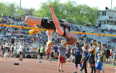 Voyzey Defends District Title; Boys 4×100 Gets Gold, Getz Takes Silver