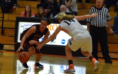 Lady Eagles cruise past the Titans 70-41