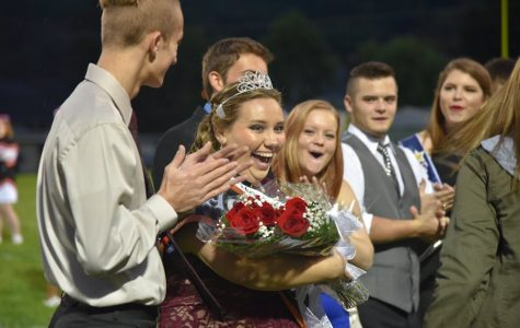 Burns named Queen, Engle crowned Princess at 2016 TAHS Homecoming Game