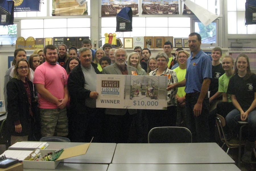 Tyrone Area School District Recieves $10,000 Grant to Improve STEM Education