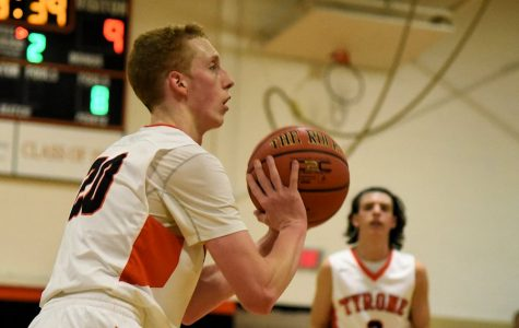 Thomas Sets New School Record for Threes in a Game