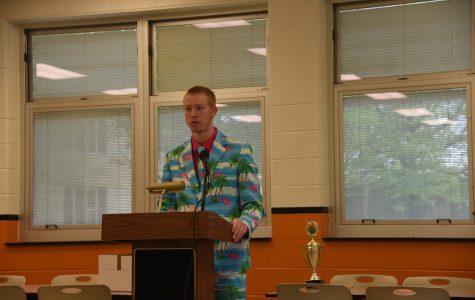 Speech Team Wins Several Awards at First Home Meet