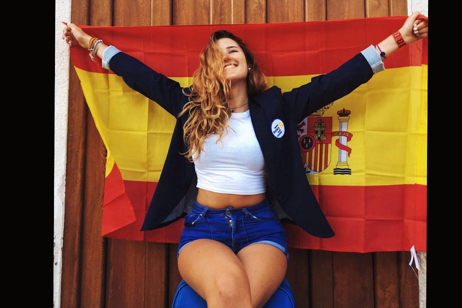 Maria+with+the+Spanish+flag