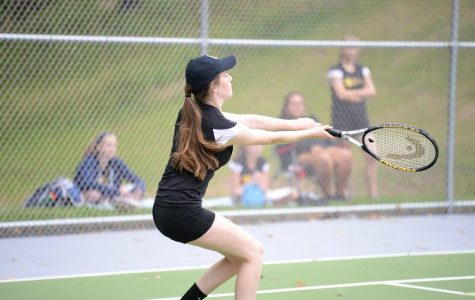 Girls Tennis Gets W; Top 3 Sweep Bearcats