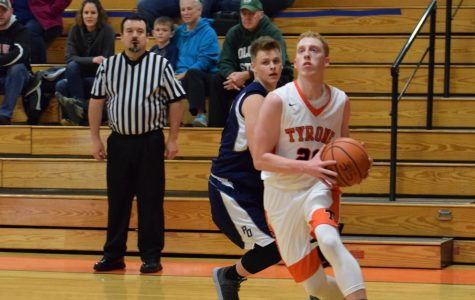 Tyrone Dominates Clearfield in Mountain League Showdown