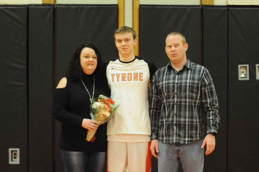 Senior Parker Mitchell and family