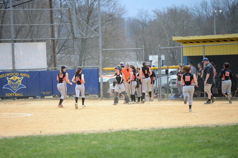 Lady Eagles Beat Bellwood in Backyard Brawl 8-1