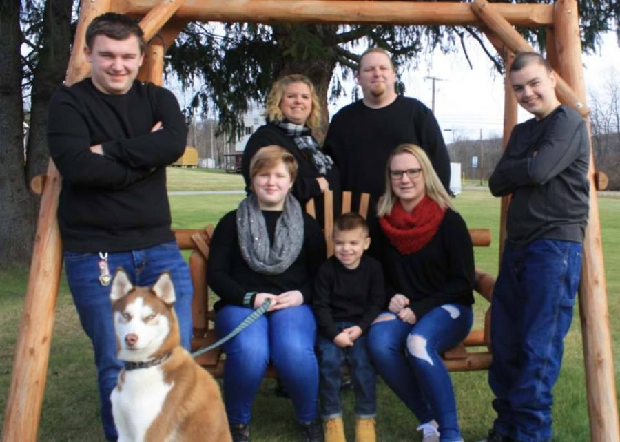 Maddox+and+his+family.
