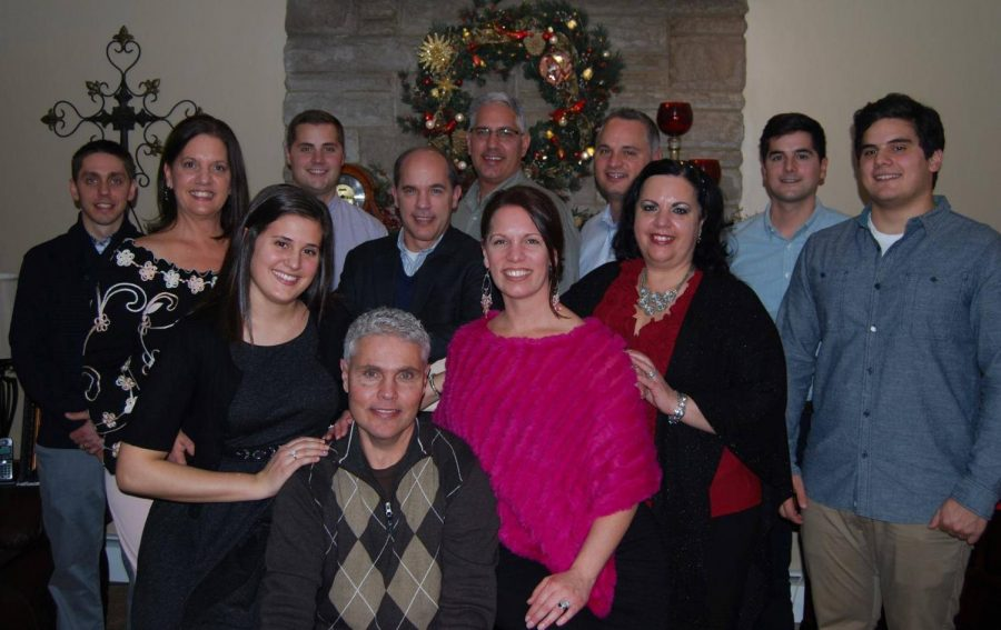 Senior+Ava+McCracken%27s+extended+family+%28some+of+whom+are+pictured+here%29+celebrate+a+traditional+Italian+dinner+called+the+feast+of+the+seven+fishes+every+Christmas+Eve%2C