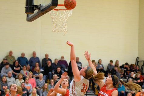 Lady Eagles Crumble to Fourth Seed in State Playoffs