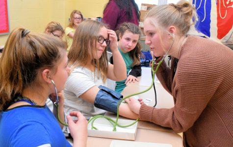 Heath Tech Students Teach Sixth Graders About Heart Health