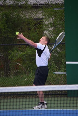 Boys Tennis Finishes as Co-Mountain League Champs