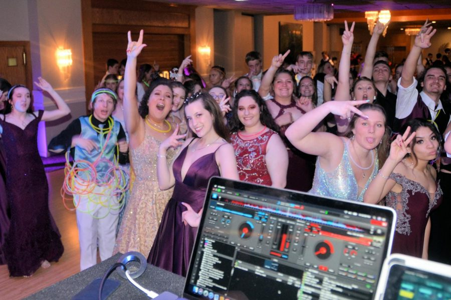 Photo Slideshow: 2019 TAHS Prom