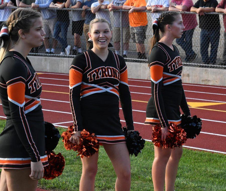 Cheerleaders  Lauren Ross, Halie Walk, and Lindsay Fleck