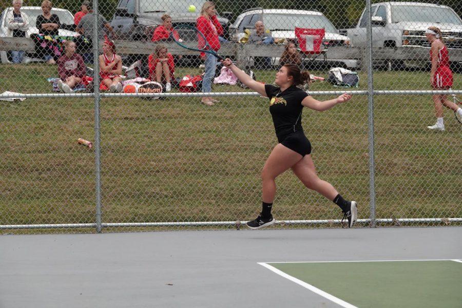 Olivia Reese hits a forehand.