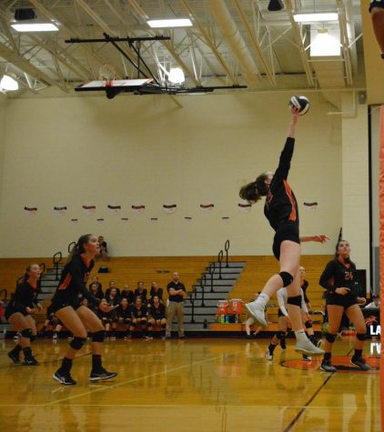 Lady Eagles Defeat Mounties in Five Sets to Open 2019 Season