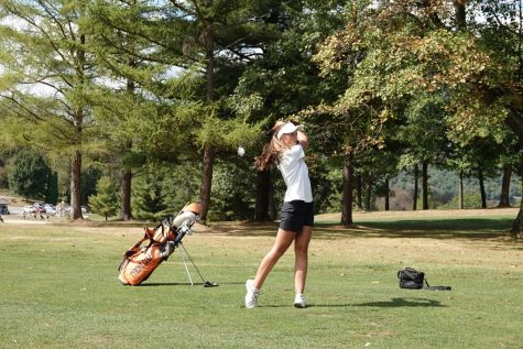 Action shot of Cassidy Miksich on the fairway.