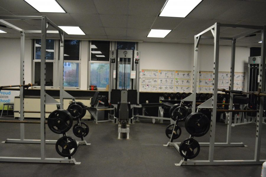 There are 15 unique weight machines that students can use to build and define specific muscle groups. There are three treadmills, two elliptical machines, and two bikes that students can use to burn calories.  For weightlifting there are two bench presses, two squat cages, and several barbells for squatting and dead-lifting. There is also a range of dumbbells and other free weights that can be used for a wide variety of exercises.