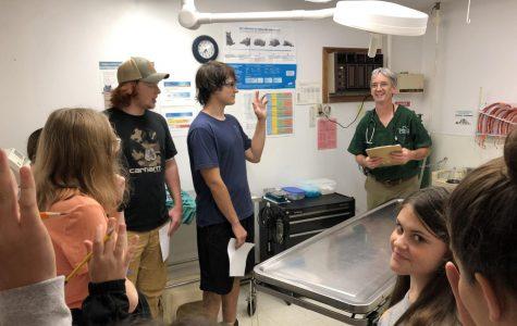 FFA Members Meet PA's Veterinarian of the Year