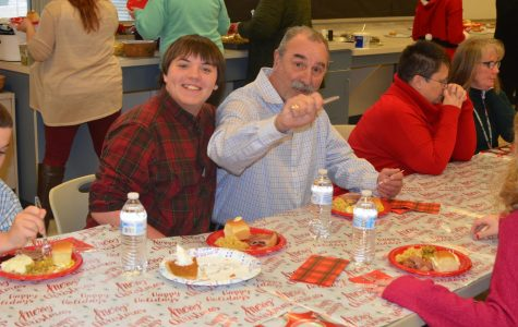 Tyrone Students Prepare a Holiday Meal for Teachers and Staff