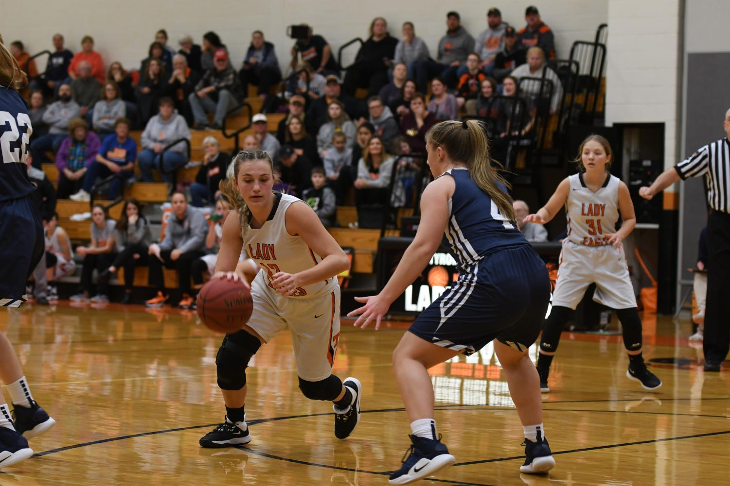 Emma Getz driving to the hoop.