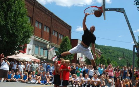 One of the fan favorite events at HoopsFest is the annual slam dumk competition.  HoopsFest will not happen this summer due to the coronavirus.