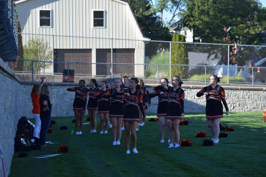 Cheerleader Warm-ups
