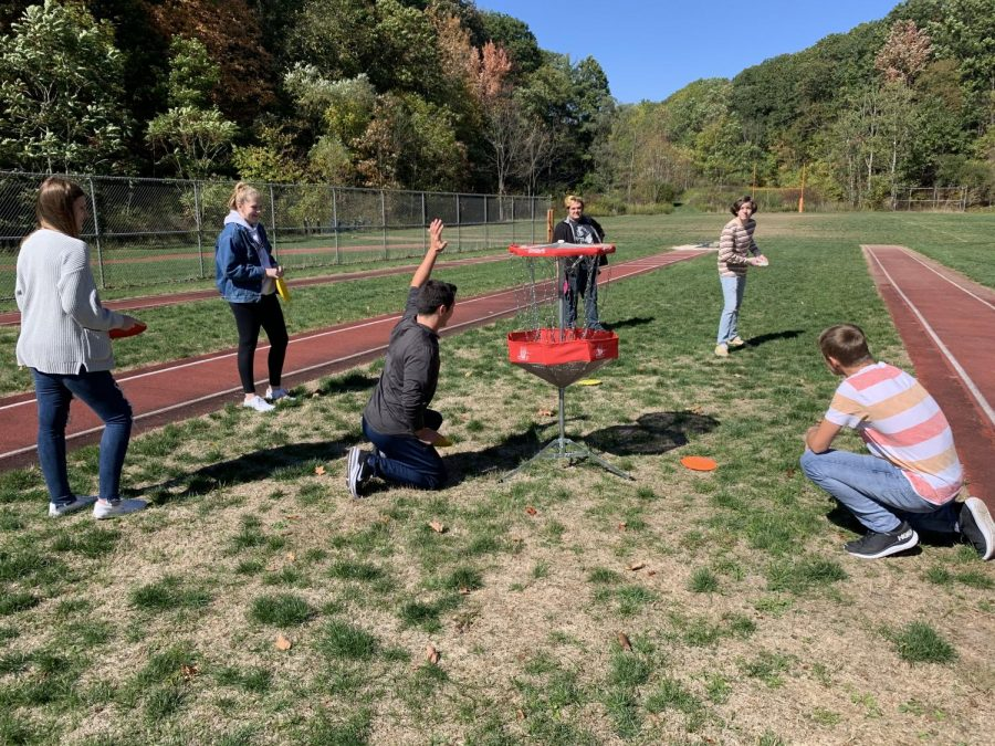 TAHS students played disk golf in phys ed class this fall as a competitive and fun socially distant sport.