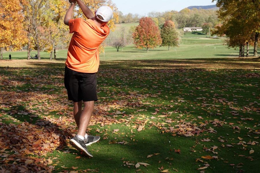 Taylor and Miksich Finish Top 20 at State Golf Championships
